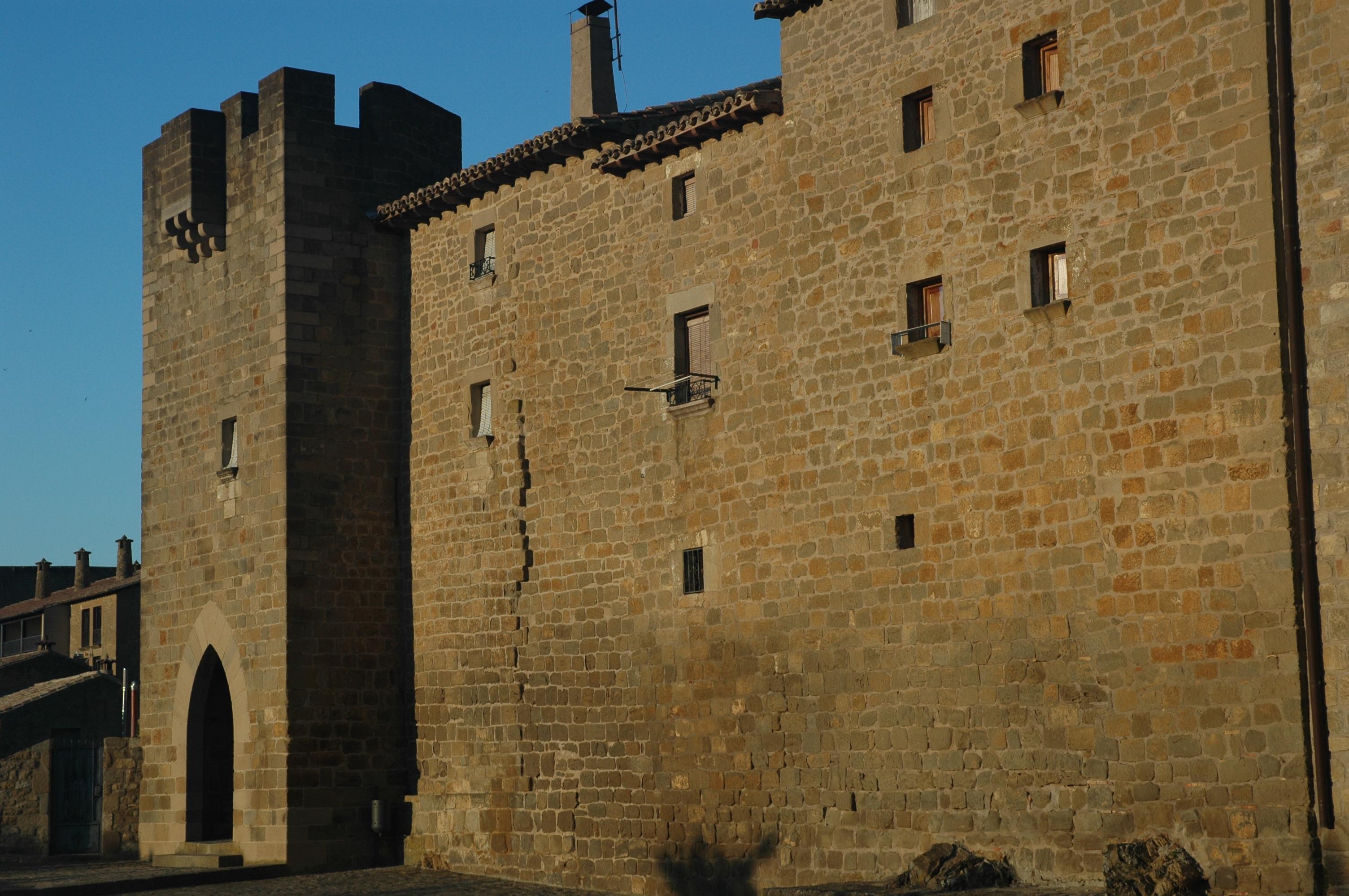 Uno de los accesos medievales a Sos del Rey Católico