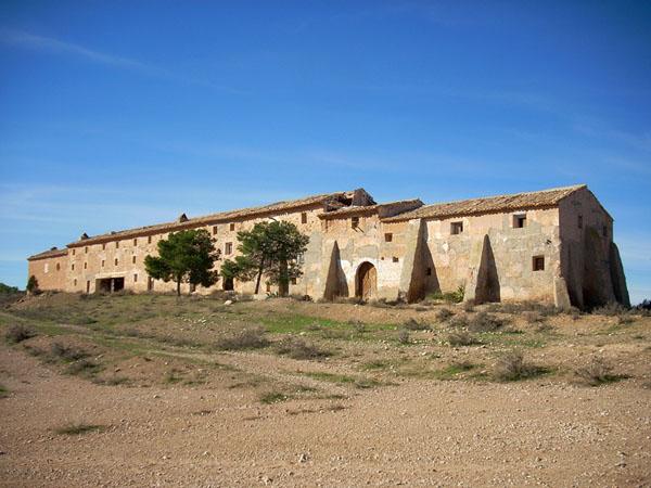 Casas de colonos y oratorio (1775). Poblado del Ceperuelo, en las posesiones turolenses del duque de Híjar. Foto: Comarca del Bajo Martín