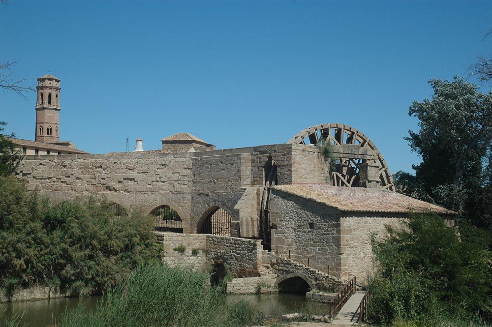 Conjunto hidráulico y torre mudéjar de la iglesia de Rueda