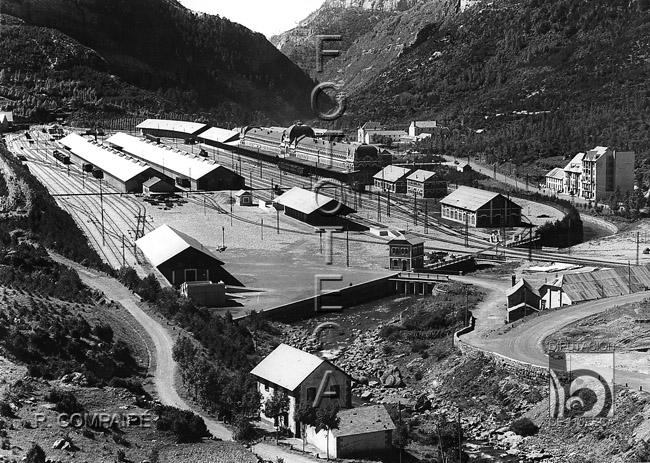 Poblado y estación internacional de Arañones. Ricardo Compairé (ca. 1920-1936). Fototeca de la Diputación de Huesca