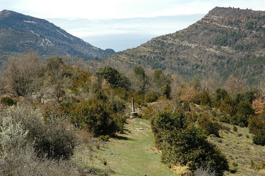 Cruz de término en uno de los accesos al santuario de Nocito