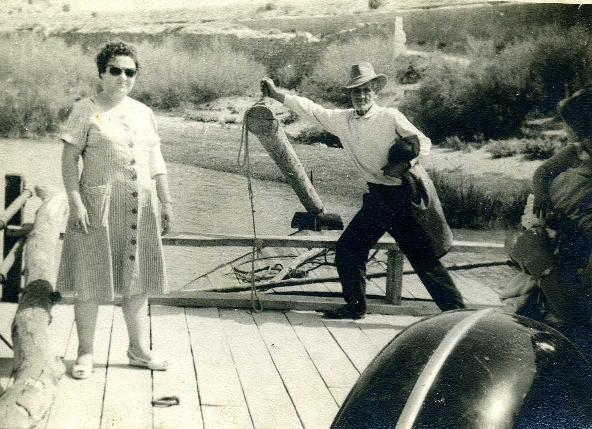Barquero en Velilla de Ebro (1942). Centro de Documentación Digital de la Ribera Baja del Ebro