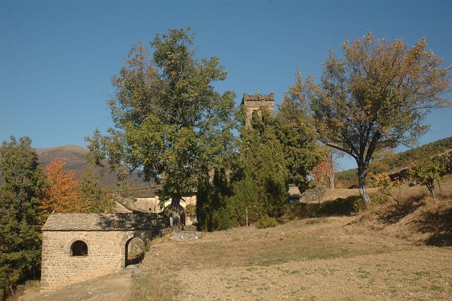Esconjuradero del siglo XVI en el acceso al recinto parroquial de Asín de Broto