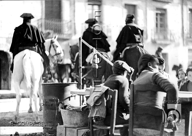 Mantener el orden: la Guardia Civil. Ricardo Compairé Escartín. Fototeca de la Diputación de Huesca