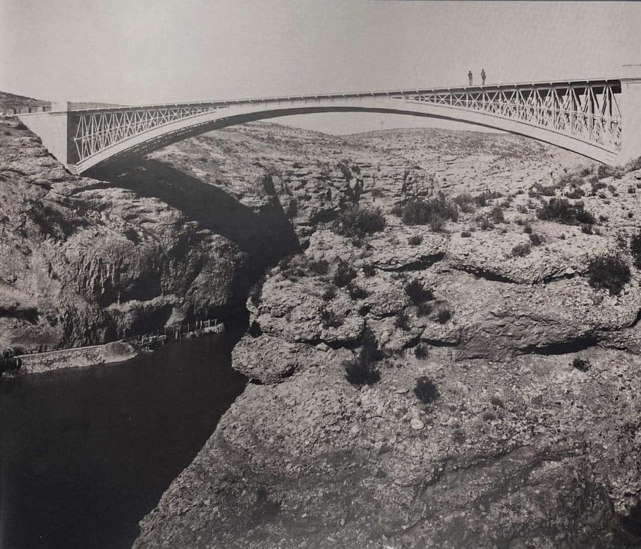 Puente sobre el río Cinca en El Grado
