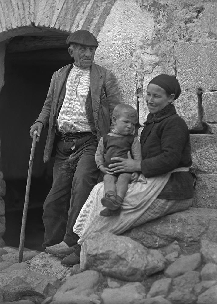 Retrato familiar. Ricardo Compairé Escartín. Fototeca de la Diputación de Huesca