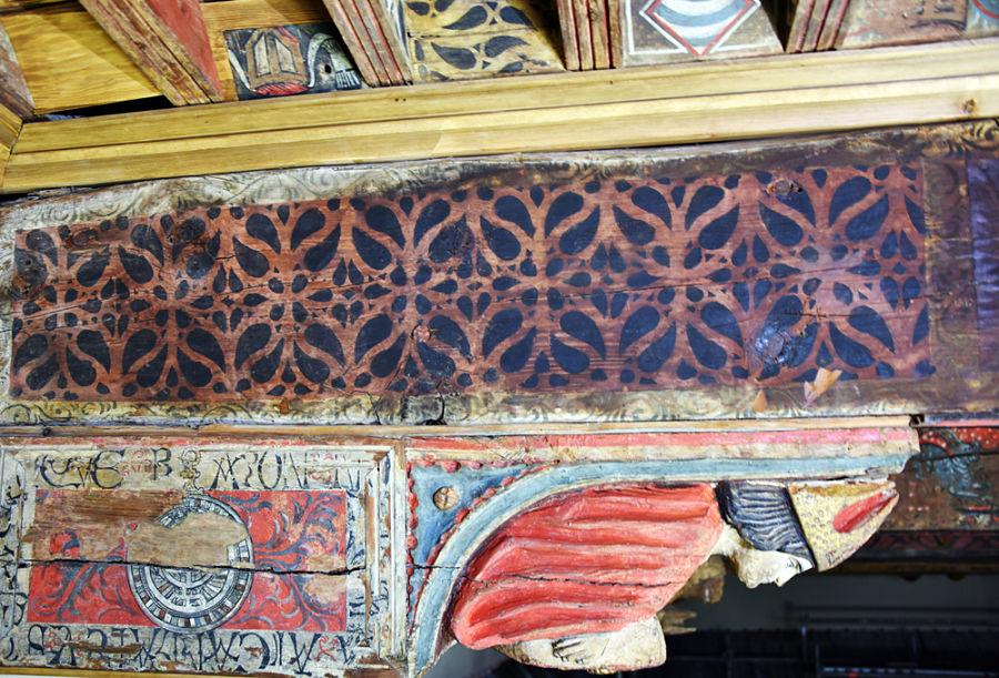 Obispo representado en la techumbre del salón del antiguo palacio episcopal de Huesca. Foto: Museo Diocesano de Huesca