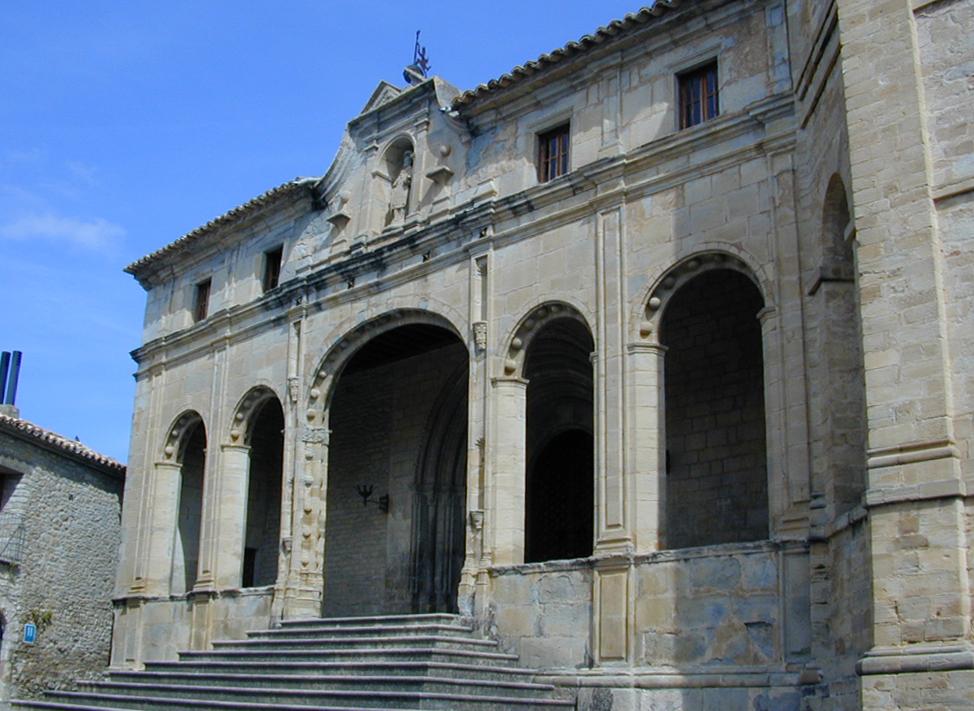 Últimos esplendores de Roda de Isábena: la fachada del siglo XVIII