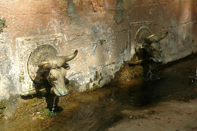 Fuente de la ermita de San Medardo en Benabarre
