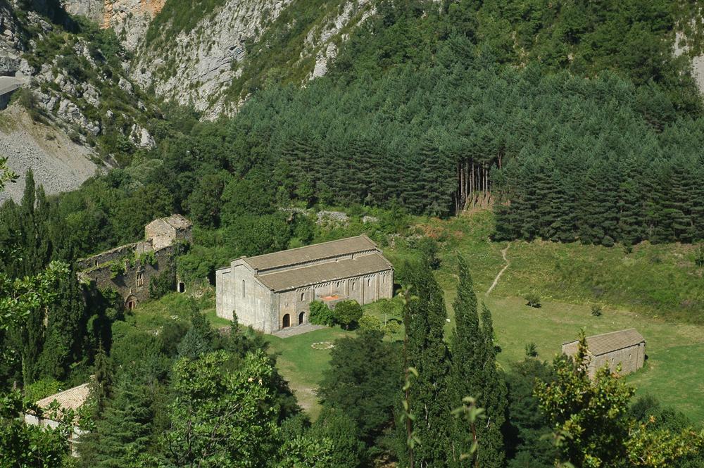 Monasterio de Santa María de Obarra: palacio prioral, iglesia y capilla (siglos XI-XVI). Foto: Francisco Bolea